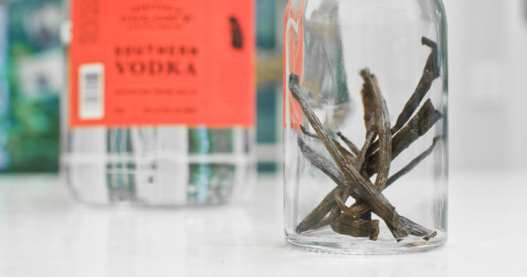 How to Make Homemade Vanilla Extract From Scratch