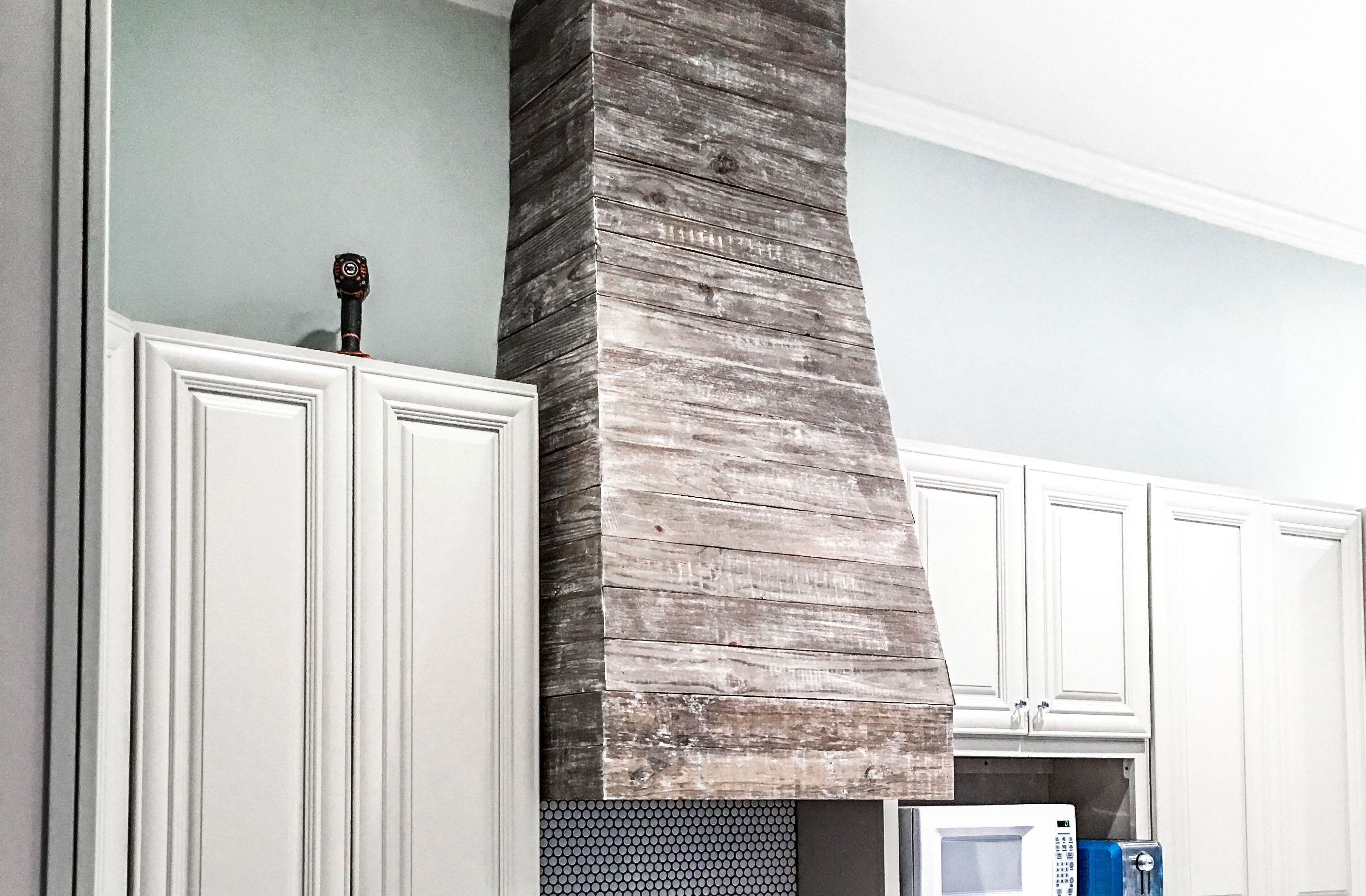 How To Diy Finish A Custom Pallet Wood Range Hood Vent Cover